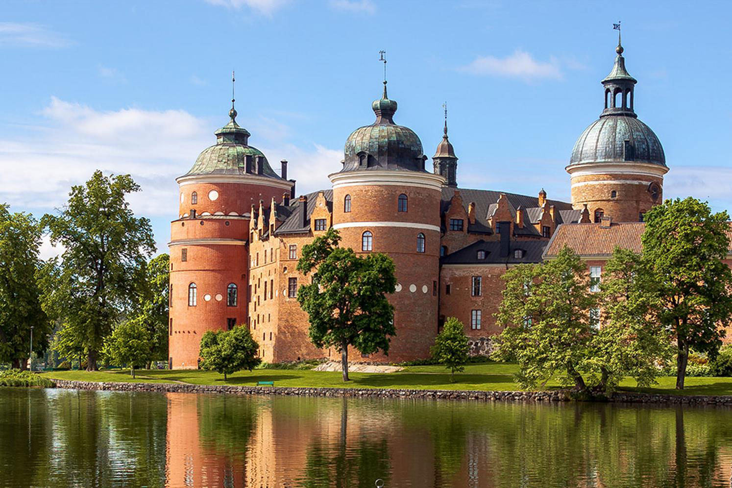 Gripsholm Castle and Taxinge Palace in Stockholm